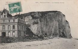 76 Veulettes. La Falaise D'aval. Travail Du Galet - Altri Comuni