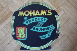 Rare Publicité De Carton - Tabac GOSSET-St MICHEL - Moham's - Product Of Brummel - 1959 - Diametre 30 Cm - Objets Publicitaires