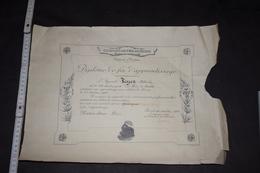 Diplôme Chemin De Fer Du Nord France Lens 1930 Menuisier 31.5cm X 43 Cm Train - Diploma & School Reports