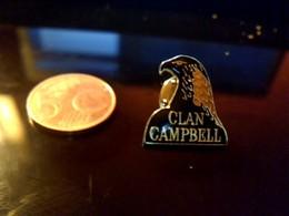 Pin' S Publicitaire  En Metal   Avec Fermoir Ancien Logo Clan Campbell - Animaux