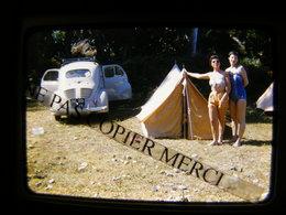 Renault 4CV 4 CV En Vacances Jeune Femme Fille En Maillot De Bain Tente Camping Diapositive Slide No Photo Cliché Inédit - Coches