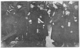 ANNEMASSE Départ De Rapatriés Pour Le Train De THONON   1917 - Old Paper