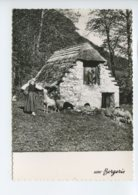 Piece Sur Le Theme De Types Et Paysages Des Pyreneens - Une Bergerie En Montagne - Non Voyagee - Bâtiments & Architecture
