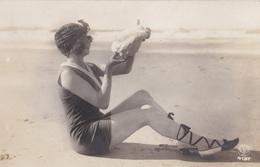 Carte Photo // Une Femme - Silhouettes