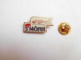 Superbe Pin's En EGF , Fromage , St Môret , Savencia , N° 075 - Food