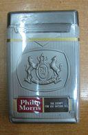 AC - PHILIP MORRIS AMERICAN CIGARETTES UNOPENED BOX FOR COLLECTION - Cigarettes - Accessoires