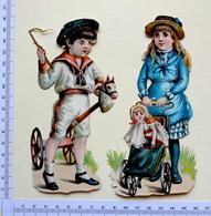 2 CHROMOS    DECOUPIS......GRAND FORMAT.... H : 15 Cm....ENFANTS...CHEVAL DE BOIS...POUSSETTE...POUPÉE - Enfants