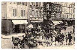 LA ROCHELLE (17) - Place Du Marché (Ravitaillements De L' Escadre) - Ed. L. C. - La Rochelle