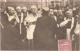 Dépt 44 - NANTES - Manifestations à L'occasion Des Inventaires (1906) - L'Évêque Lisant Sa Protestation - Nantes