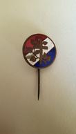 Vintage Enamel Pin Badge Religion Church Croatia Pre WW2 Yugoslavia Edit. Belada Wien - Pin's