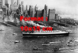 Reproduction D'une Photographie Ancienne De L'arrivée Du Paquebot Le Queen Mary à New-York En 1930 - Reproductions