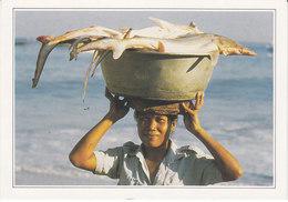 Indonésie Retour De Pêche à Jimbaran (2 Scans) - Indonésie