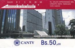 TARJETA DE VENEZUELA DE Bs.50 DEL PARQUE CENTRAL DE CARACAS (DETRAS COLOR MARRON CON 3 RAYAS) - Venezuela