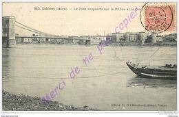 38. SABLONS . Le Pont Suspendu Sur Le Rhone Et Le Quai . - Autres Communes