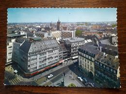 L4/479 Strasbourg. La Place De L'homme De Fer Et Les Grandes Galeries Avec Leur Terrasse - Strasbourg