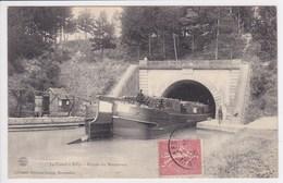 51 BILLY Le Canal Péniche Avec Chargement De Bois ,entrée Du Souterrain ,navigation Fluviale ,canaux - France