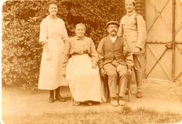 PHOTO FRANÇAISE - AU LENDEMAIN DE LA GUERRE - LA FAMILLE MAILLART A LUDES PRES DE REIMS MARNE 1919 - GUERRE 1914 1918 - 1914-18