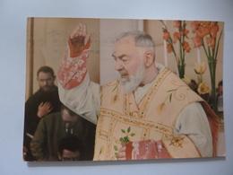 """Cartolina Viaggiata """" P. Pio Da Pietralcina""""  1968 - Santi"""