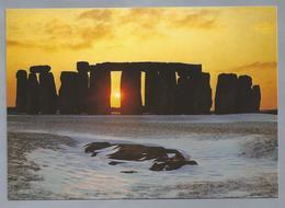UK.- WILTSHIRE. STONEHENGE. WINTER SOLSTICE. - Stonehenge