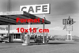 Reproduction D'une Photographie Ancienne D'une Station Service Roy's Cafe - Reproductions