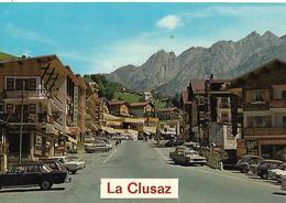 """VOITURE ANCIENNE  """"2 CV  FORD  MERCEDES DS"""" LA CLUSAZ Commerces - Voitures De Tourisme"""