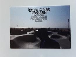 LOLA JAMES HARPER  ~~~   Carte Postale N°1 ~~   R/V  !! - Perfume Cards