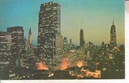 USA034 CPSMPF - MIDTOWN MANHATTAN AT NIGHT       V 1977 - Manhattan