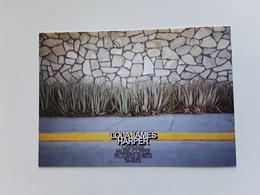 LOLA JAMES HARPER  ~~~   Carte Postale * N° 10 ~~   R/V  !! - Perfume Cards