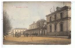 CPA-17-1904-SAINTES-LA GARE-TRES ANIMEE-PERSONNAGES-UN ATTELAGE- - Saintes