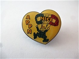 PINS Sports  PARACHUTISME  APPN NICE / 33NAT - Paracaidismo