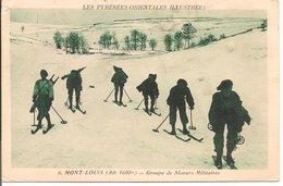 L200A457 - Groupe De Skieurs Militaires Au Mont Louis - APA Poux N°6 - Régiments