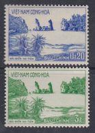 Vietnam Du Sud N° 245 / 46 X Plage De Hatien Et Rocher Phu-tu.  Les 2 Valeurs Trace De Charnière Sinon TB - Viêt-Nam