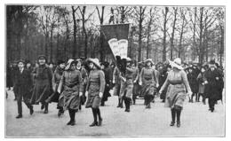 WW1 14-18 Belgique Paris Délégation Aux Tuileries De Femmes Belges Demandant Leur Enrôlement Comme Auxiliaires 1916 - 1914-18
