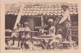 Cpa HAUT CONGO - Ménage Chrétien à Baudoinville (Soeurs Blanches Du Cardinal Lavigerie) - Congo Belge - Autres