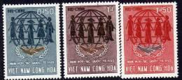 Vietnam Du Sud N° 261 / 63 X  Année De La Coopération Internationale  La Série Des 3 Valeurs Trace De Charnière Sinon TB - Viêt-Nam