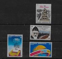 3 Series De Grecia Nº Yvert 1608, 1613 Y 1609/10 ** - Grecia