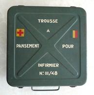 TROUSSE À PANSEMENT POUR INFIRMIER N° III/48 DE L'ARMÉE FRANÇAISE. - Equipement