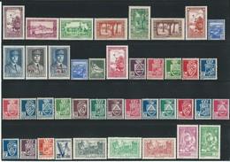 Timbres-Poste ALGERIE** Collection 130 Timbres - Algérie (1924-1962)