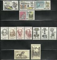 Tchécoslovaquie - Czechoslovakia - Lot Timbres Neufs ** MNH - Canons - Cheval - Personnalités - Tchécoslovaquie