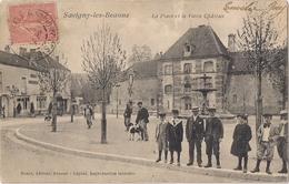 Savigny Les Beaune - La Place Et Le Vieux Chateau - France