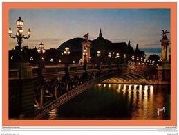 A611 / 061 75 - PARIS La Nuit Pont Alexandre III Et Grand Palais - France