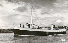 Vedette La Mouette Courrier Iles Chausey Granville  1957  Cachet - Cargos