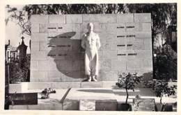 58 - LA CHARITE Sur LOIRE : Le Monument Aux Fusillés - CPSM Noir Blanc Format CPA - Nièvre - La Charité Sur Loire
