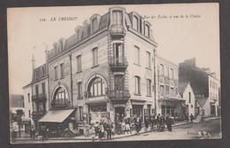 CPA LE CREUSOT-Rue Des Ecoles Et Rue De La Chaise-Animée- - Le Creusot