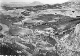 04 - SISTERON : Vue Aérienne - CPSM Dentelée Noir Blanc Grand Format 1958 - Alpes De Haute Provence - Sisteron