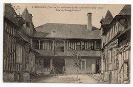 AUBIGNY --Cour Intérieure D'une Vieille Maison (colombages)  Rue Du Bourg Coutant....pas Très Courante.....à Saisir - Aubigny Sur Nere