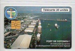 30 UNITES - PORT DE COTONOU - Bénin
