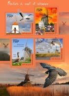 Togo  2014  Fauna  Windmills And Birds - Togo (1960-...)
