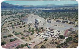 Teotihuacán - Vista Aérea De La Plaza Y Pirámida De La Luna - Zona Arqueológica - (Mexico) - Mexico