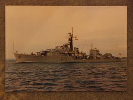HMS CAVALIER LAST WWII DESTROYER - Warships